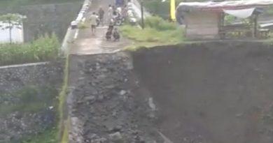 Jembatan Druju Kasembon Ambrol Aktifitas Warga Lumpuh